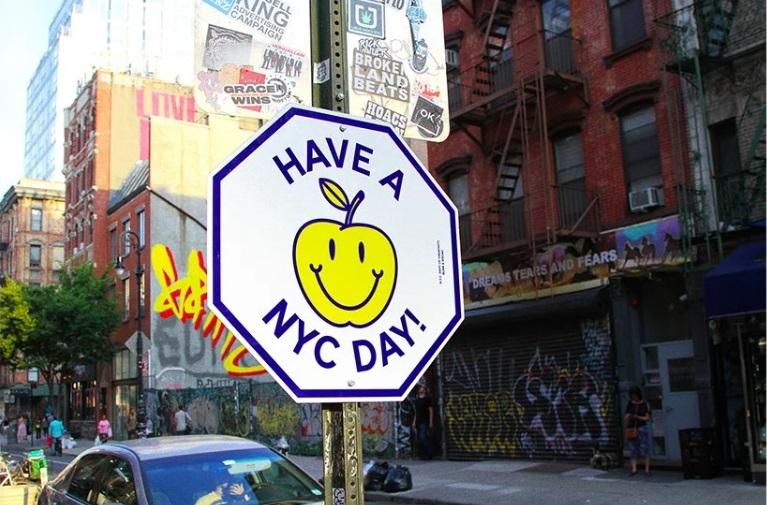 El arte interviene las señales de tránsito de NY
