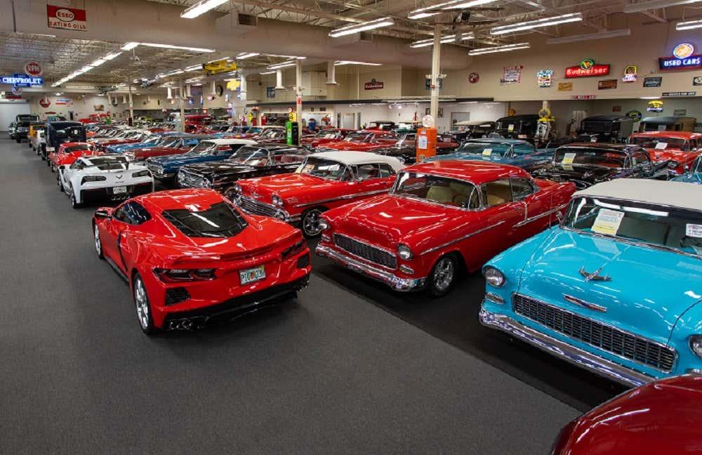 Museo de autos clásicos subastará 200 autos para evitar la quiebra