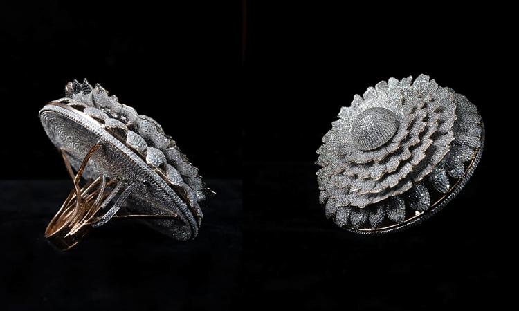 el anillo con más diamantes del mundo